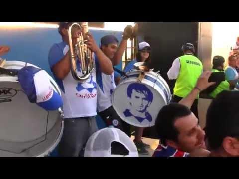 """""""La UC es mi única pasión"""" Barra: Los Cruzados • Club: Universidad Católica • País: Chile"""