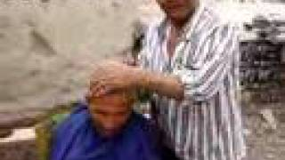 preview picture of video 'Kashgar Haircut'