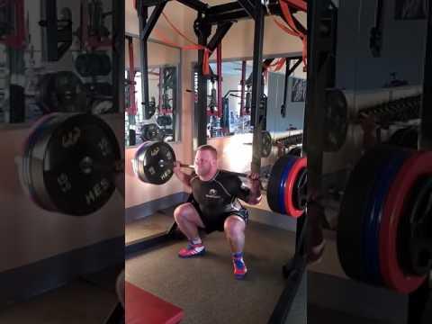 Zwiększa siłę mięśni, ale nie