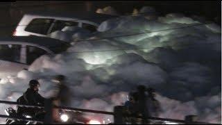 """Apocalyptic """"Toxic Sea Foam Tsunami"""" Invades India"""