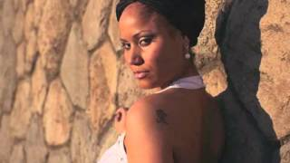 Video Madalena João feat. Sharkess - Reggaeton (Lyric video 2015)