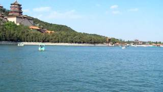 Video : China : Views of the Summer Palace 頤和園 lake, BeiJing