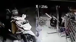 Pria Ini Menabrak Minimarket saat Hendak Menurunkan Anak Balita