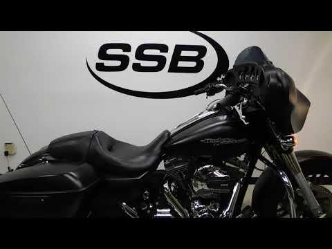 2015 Harley-Davidson Street Glide® Special in Eden Prairie, Minnesota