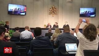 Bono Vox visita al Papa y apoya a Scholas