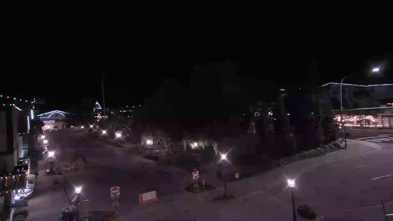 アメリカ【レブンワース】の美しい街並みとそびえる山脈の姿を Leavenworth Washington Live Webcam