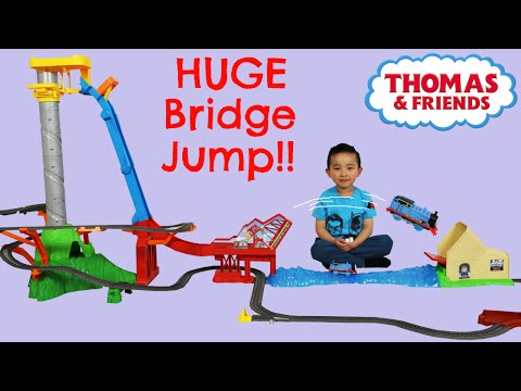 Unboxing Playing Thomas The Train Engine Sky High Bridge Jump Huge Train Track Set Ckn Toys