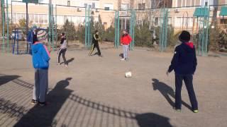 Уличный футбол в актау