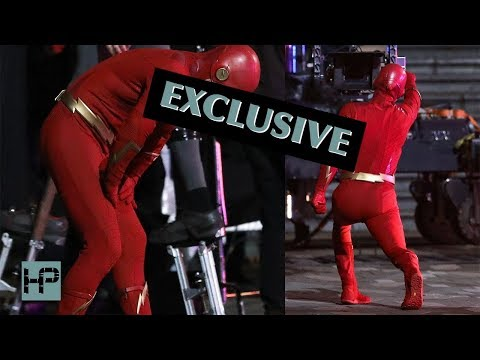 EXCLUSIVE: First Shots of Stephen Amell as The Flash - On Set for CW 'Elseworlds' Event