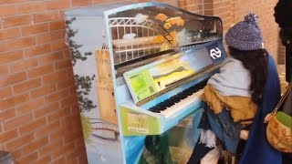 Howl's moving castle @ street pianos in the Netherlands (Nijmegen)