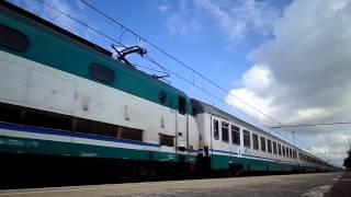 preview picture of video 'E444.076 sull' IC 1551 Roma Termini - Reggio Calabria Centrale, in transito a Pomezia'