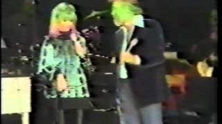 Olivia Newton-John - Me and Bobby McGee w/Kenny Rogers