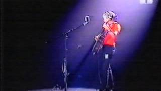 Ani Difranco - In Or Out (live on MTV`s Alternative Nation)
