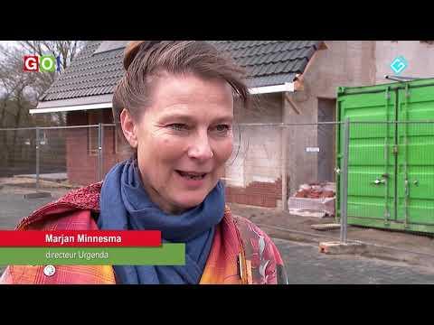 Eerste prefab hennephuis in Oude Pekela gebruik genomen. - RTV GO! Omroep Gemeente Oldambt