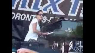 Chantal Kreviazuk performing 'Before You' at Mix 99.9's Beach Fest in Toronto - Sept 2, 2007
