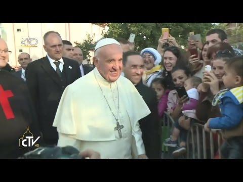 Le Pape rencontre les bénéficiaires et les volontaires des oeuvres caritatives