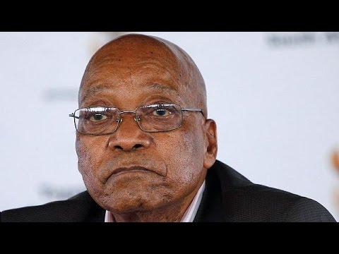 Δύσκολες ώρες για τον πρόεδρο της Νοτίου Αφρικής