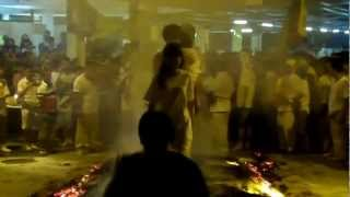 preview picture of video 'Nine Emperor Gods Sg. Way FIRE WALK 2012.mp4'