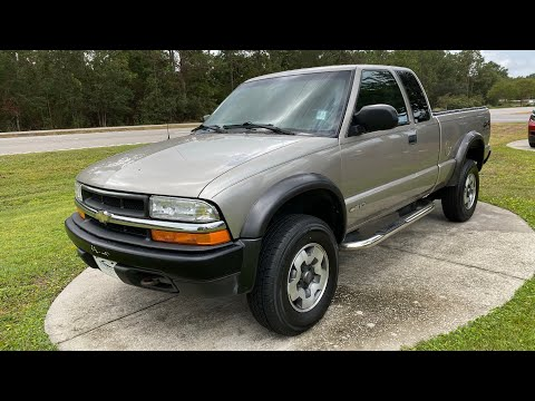 Pre-Owned 1999 Chevrolet S-10 Ext Cab 123 WB 4WD LS