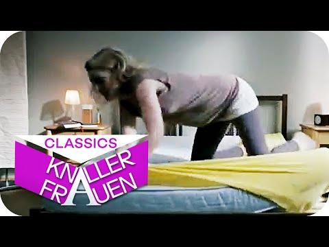 Bett beziehen - Knallerfrauen mit Martina Hill