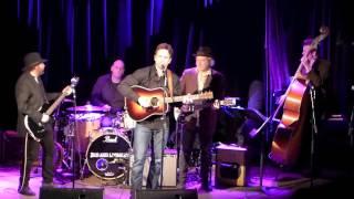 Nashville's Charles Esten (Deacon), Sideshow