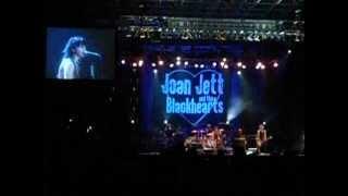 Joan Jett - Fake Friends (Live Coney Island,Brooklyn 08-09-2012)