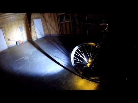Light And Motion Urban 500 vs. Zebralight SC62w Beamshot Bike Blogger