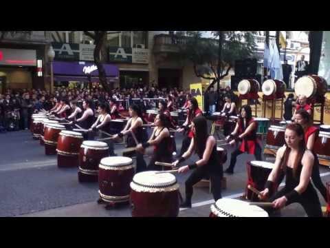 """""""Taiko"""" - tambores japoneses e ritmo irresistível"""