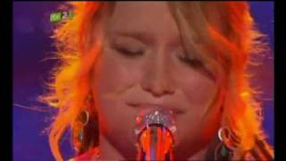 CRYSTAL BOWERSOX DOES A STUNNING PERFORMANCE FOR AMERICAN IDOL TITLE  UP TO THE MOUNTAIN HQ