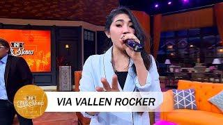 Cool!! Ini Dia Via Vallen Menjadi Rocker!