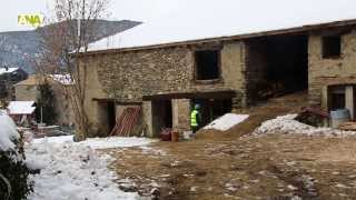 preview picture of video 'Treballs de restauració de Casa Rossell a Ordino'