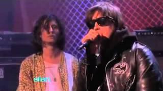 Gratisfaction - The Strokes (live Ellen)