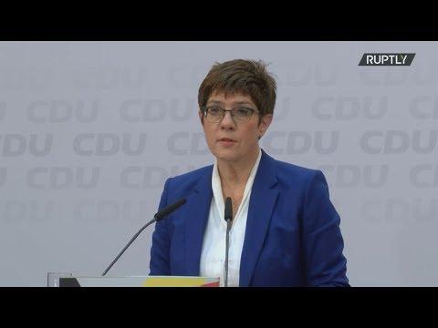 Η Άνεγκρετ Κραμπ-Καρενμπάουερ ανακοίνωσε την απόφαση της να παραιτηθεί από την ηγεσία του CDU