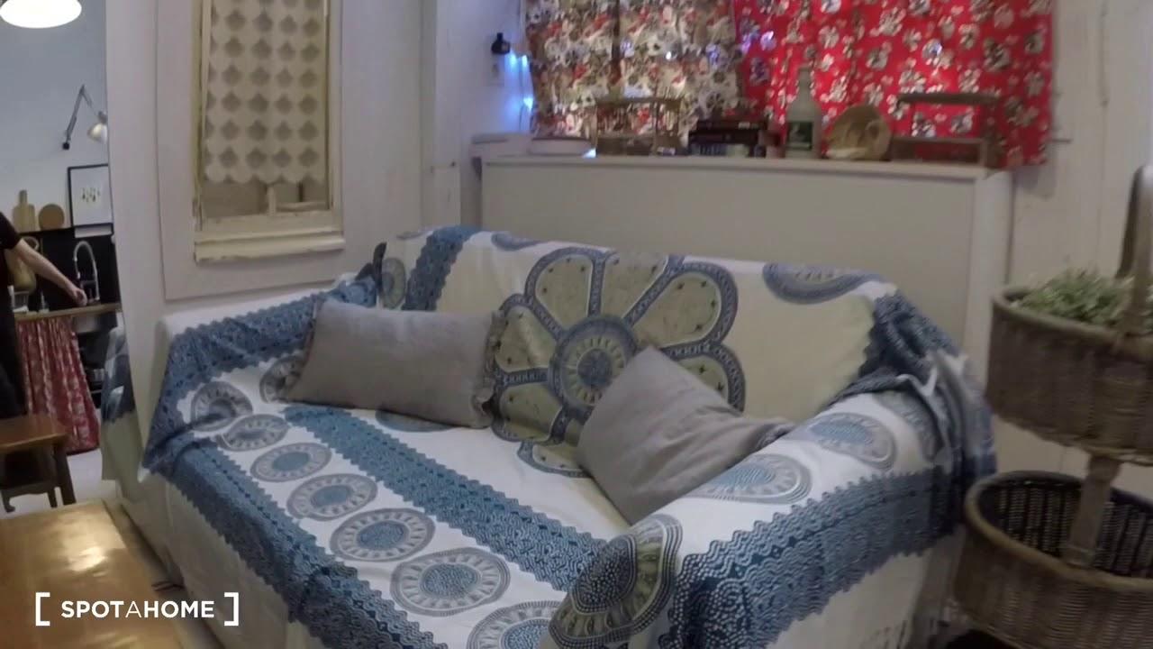Adorable studio for rent in La Latina