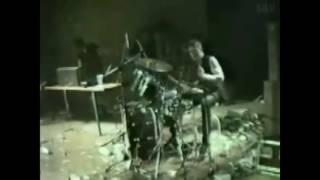 Deutsch Amerikanische Freundschaft - Der Mussolini (HD music video 1981)