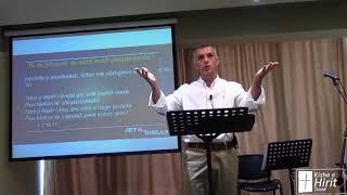 Si të jetojmë në këtë botë paradoksale? Predikuesi 7:15-29