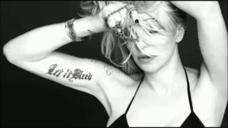 Courtney Love - Walk out on me (Subtitulado en Español)