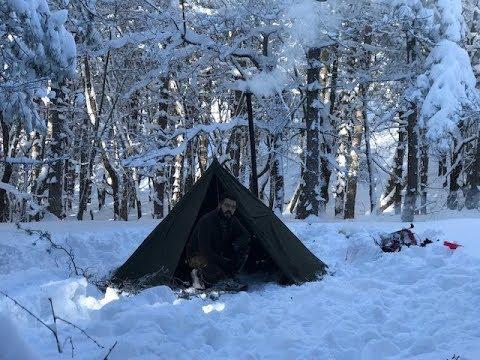 Winter Tent with WoodStove Pane Bannok e Fagioli del Cowboy