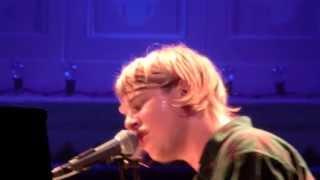 Tom Odell - Hold Me (Live)