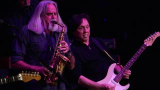 The Doobie Brothers - Long Train Runnin' (Live From The Beacon Theater)
