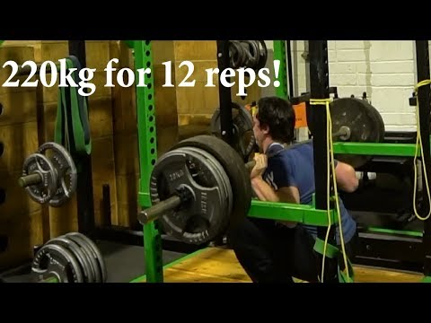 Clarence Squats 220kg for 12 reps, Daire looks suspicious and David does stupid shit