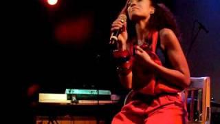 'Make Me Whole (Live)' - Amel Larrieux