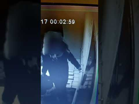 Жители Якутска просят опознать по видео подозреваемую в краже