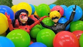 Cat Noir y Ladybug muñeca en la ciudad. Vídeos para niñas.