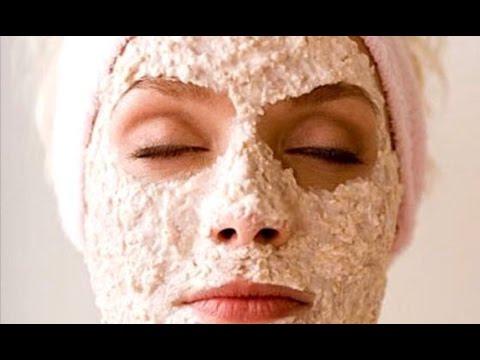 Le masque pour la personne du kaolin avec lhuile damandes