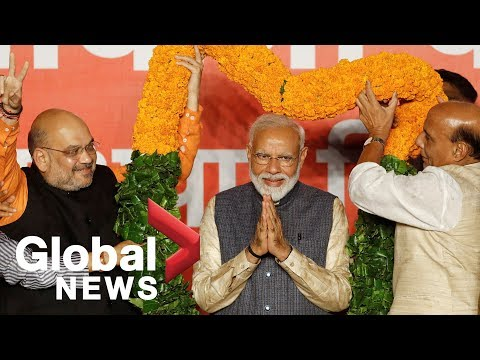 India's Prime Minister Modi speaks to supporters after big election win (видео)