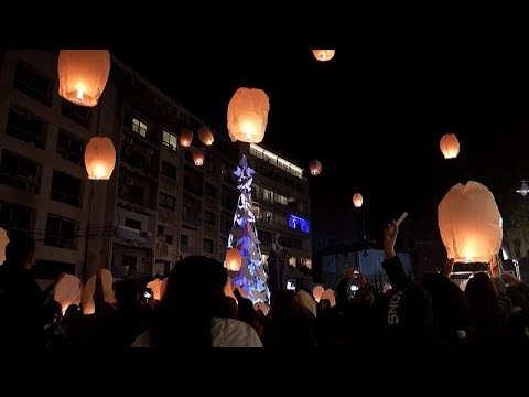 Βηρυτός: Ένα χριστουγεννιάτικο δέντρο και φαναράκια για τα θύματα της έκρηξης…
