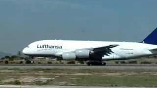 preview picture of video 'Despegue del Airbus 380 - Palma de Mallorca. Octubre 2010'