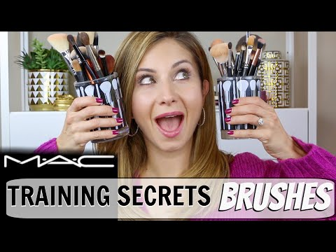 It Cosmetics x ULTA Love Beauty Fully All Over Powder Brush #211 by IT Cosmetics #2
