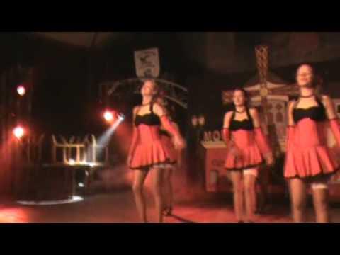 Dansgarde Purple Rain doet Moulin Rouge